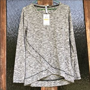 Cable & Gauge   Long Sleeve Lightweight Blouse